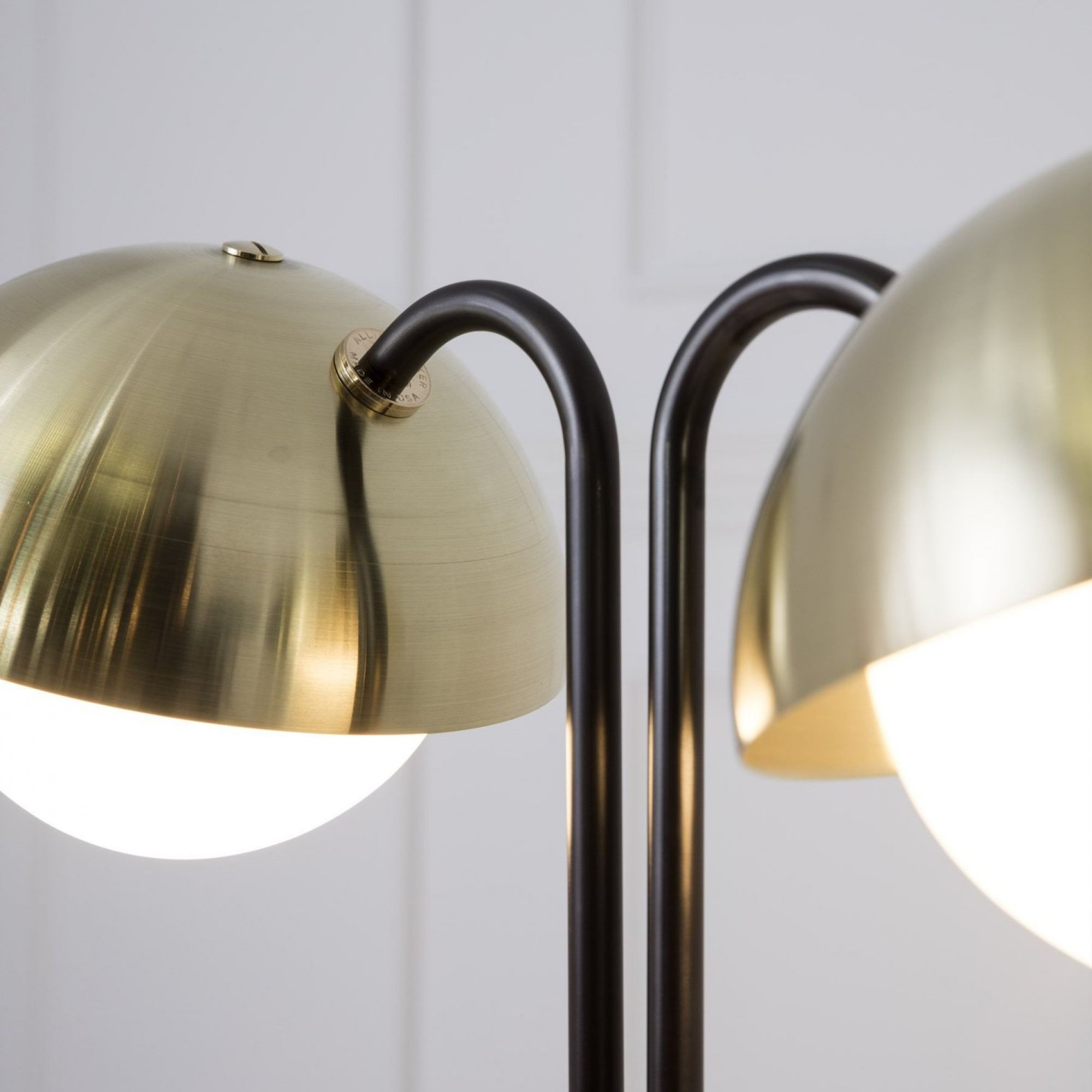 Double dome tablelamp web3